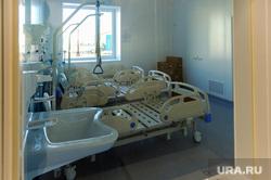 Поездка Алексея Текслера на строительство новой инфекционной больницы. Челябинск, кровати, ковидная база, инфекционный центр, ковидный госпиталь, палаты