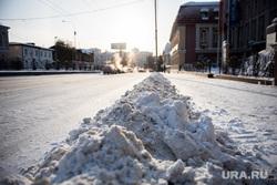 Дороги Екатеринбурга, снег на тротуаре, снег, зима, снег на дорогах