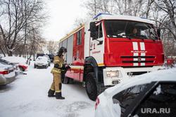 Последствия пожара в девятиэтажном жилом доме на улице Рассветная. Екатеринбург, мчс, пожарная машина, последствия пожара, улица рассветная