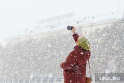 Виды Екатеринбурга, зима, снегопад, кто мы откуда куда мы идем
