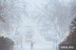 Виды города, снег. Екатеринбург, метель, снегопад
