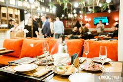 Открытие ресторана Легендарный русский. Тюмень, ресторан, стол с едой