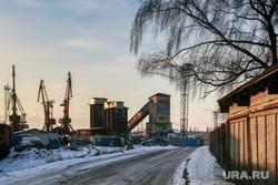 Виды Калининграда. Калининград, порт, портовые краны