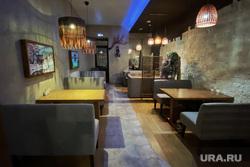 Детская игровая комната. Курган, столик в кафе, ресторан, столик в ресторане, кафе, общепит, пустой стол