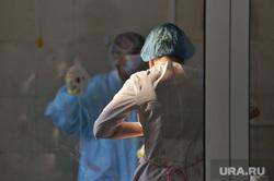 Депутат областной думы Александр Ильтяков в центре переливания крови. Курган , медики, медицина, врач, медсестры, лаборатория