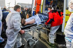Последствия взрыва кислородной станции в госпитале на базе ГКБ№2. Челябинск, пострадавший, врачи, эвакуация больных, медики, доктор, коронавирус, covid, ковид, противочумной костюм, защитные костюмы