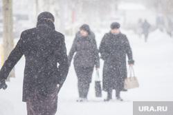 Снег в городе. Нижневартовск, снег, непогода, метель, снегопад