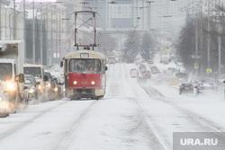 Виды Екатеринбурга, зима, общественный транспорт, снег в городе, город екатеринбург, проспект ленина, трамвай, заснеженная улица