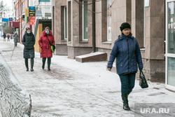 Снежный город. Тюмень, снег, улица ленина, зима, пешеходы