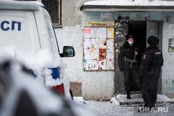 Последствия пожара в девятиэтажном жилом доме на улице Рассветная. Екатеринбург, полицейские, полиция, последствия пожара, улица рассветная