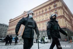 Несанкционированная акция в поддержку оппозиционера. Москва, силовики, протестующие, лубянка, здание фсб, митинг, полиция, протест, навальнинг, омон