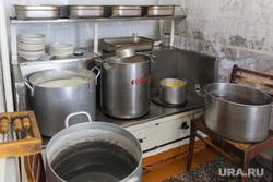 Клипарт. Магнитогорск, школьная столовая, посуда, кухня