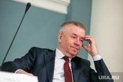 Круглый стол КПРФ по принятию поправок к Конституции РФ. Москва, колюшин евгений