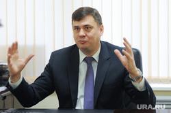 Олег Извеков, Ростелеком, интервью. Челябинск, жест руками, извеков олег