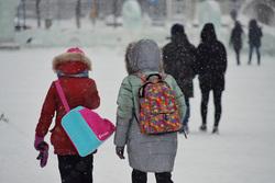 Снегопад. Курган, снег, зима, дети, школьники, ученики