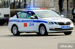 Полиция на улицах города во время эпидемии коронавируса. Челябинск, полицейские, дпс, полиция