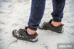 Снегопад, зима. Челябинск, снег, пешеход, снегопад, зима, люди, хипстер, дорога, мода, ноги