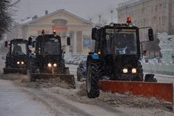 Снегопад. Курган, снег, снегоуборочная техника, непогода, метель, плохая погода, город курган, снегопад, уборка снега, снегоуборочная машина