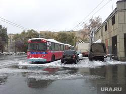 Челябинск, ледяной дождь, остановились троллейбусы, снег, лед, троллейбус