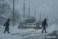 Метель. Курган, снег, непогода, метель, плохая погода, плохая видимость, дорога, пешеход, порывистый ветер