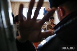 Район Черный Мыс. Сургут, мигранты, рука в объектив, проверка документов, нелегалы, не снимать