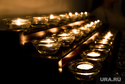 Рождество Христово в Римско-католическом приходе Святого Иосифа Труженика. Сургут, свечи