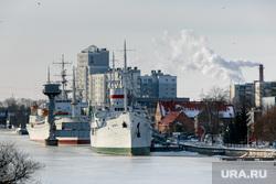 Виды Калининграда. Калининград, корабль, порт, калининград, пароход, судно, портовые краны, река преголя