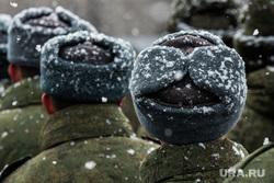 Первая официальная репетиция парада на улице Новосибирская 2-ая. Екатеринбург, зима, армия, военные, солдаты, призыв, призывники, снегопад
