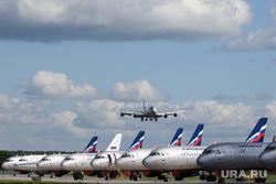 Авиапленэр в аэропорту Кольцово. Екатеринбург, самолет, авиаперевозки, авиаперелет, авиаперевозчик, авиакомпания аэрофлот, aeroflot, боинг747-400