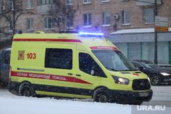 Скорая помощь на дороге. Москва, медики, скорая помощь, дорога, скорая, едет, 103