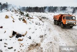 Пожар на несанкционированной свалке на Уралмаше. Екатеринбург, дым, мусоровоз, грузовик, самосвал, мусорный полигон, свалка горит, пожар на свалке