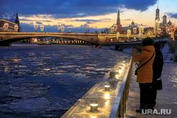 Зимняя Москва, снег, набережная, зима, город москва, кремль, москва-река, зарядье, большой москворецкий мост