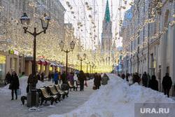 Снег и коммунисты в Москве. Москва, сугроб, снег, зима, город, город москва, иллюминация, вечер, последствия снегопада, улица, улица никольская