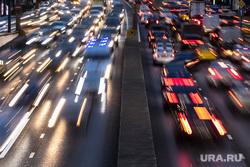 Автомобильное движение, спецтранспорт и пробки в столице. Москва, пробка, скорость, трафик, ночь, дорога, машина