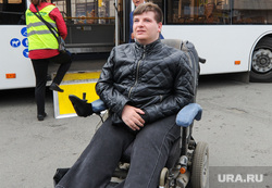 Презентация газомоторных автобусов прибывших на тест-драйв. Челябинск, инвалид колясочник, ольховский николай