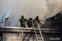 Пожар памятника архитектуры по ул. Семакова 8. Тюмень, мчс, пожар, пожарные