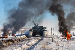Около 1000 военнослужащих ЦВО начали состязания в отборочном этапе конкурса «Танковый биатлон» , дым, война, танк