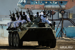 Торжественные мероприятия в честь 5-летия отряда ОМОНа. Сургут, бтр, спецназ, боевые действия, омон