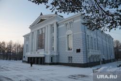 Виды города, основные здания и учреждения, памятники. Пермь, город пермь, пермский оперный театр