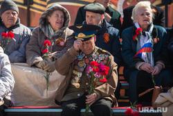 Бессмертный полк и парад Победы. Сургут, ветеран