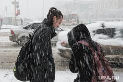 Сильный снегопад в Екатеринбурге, снег, зима, непогода, метель, снегопад