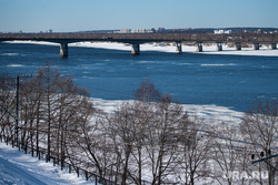 Виды города. Пермь, снег, набережная, зима, кама, коммунальный мост