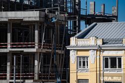 Виды города. Пермь, строительный кран, строительные работы, застройка квартала, застройка центра города, строительство, стройка, застройка территории