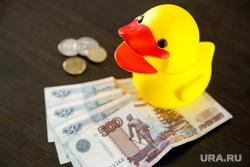 Иллюстрации на тему «Желтая уточка правды». Екатеринбург, уточка правды, деньги, желтая утка, игрушка