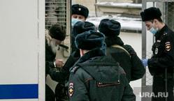 Привоз отца Сергия в Басманный суд. Москва , романов николай, отец сергий, басманный суд