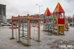 Гололед, ледяной дождь в Перми., двор, детская площадка, ледяной дождь