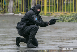 День пограничника. Курган, спецназ, люди в масках, пистолет, стрельба с колена