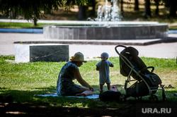 Виды Екатеринбурга, мама, семья, парк маяковского, жара, цпкио