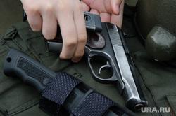 Празднование Дня защиты детей в Историческом сквере. Екатеринбург, нож, табельное оружие, пистолет макарова, огнестрельное оружие