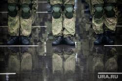 Памятные мероприятия в Пскове ко дню 20-ти летия подвига 6 роты 104 гвардейского парашютно-десантного полка. Псков, вдв, десантники, десант, армия, военные, солдаты, марш, форма, плац, военнослужащие, парад, строй, смотр строя